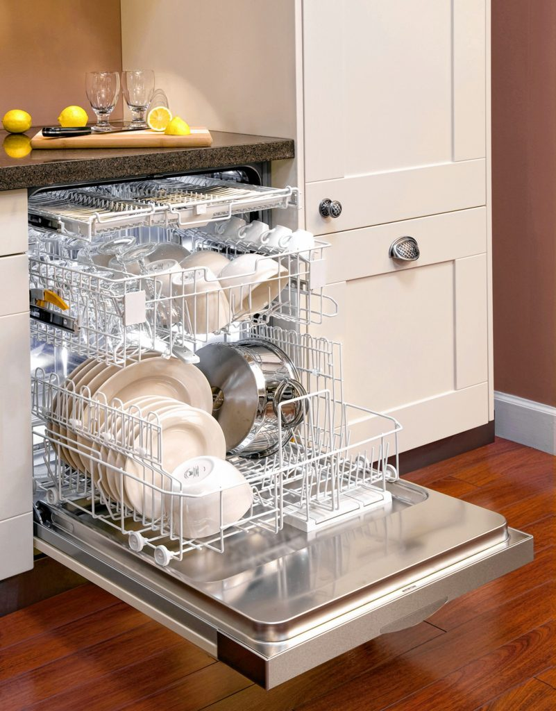 This efficient dishwasher uses three spray arms to clean all the dishes from many directions.